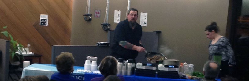 Chef Jason TePaske teaching a healthy recipes cooking class in Eau Claire, WI